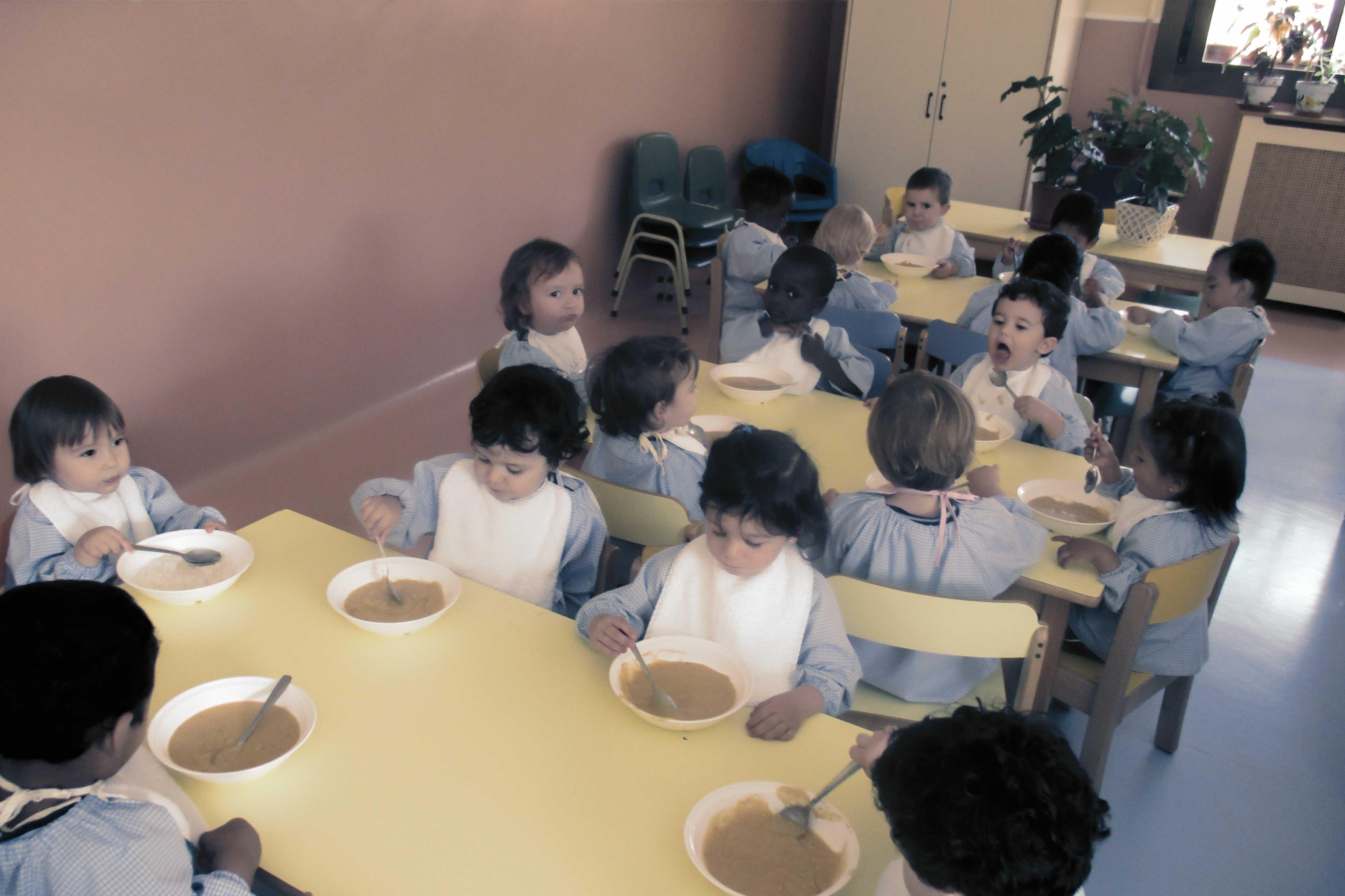 Comedor colegio concertado san alfonso for Proyecto de comedor infantil